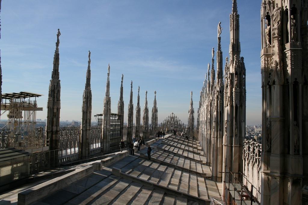 Duomo-Milan-roof